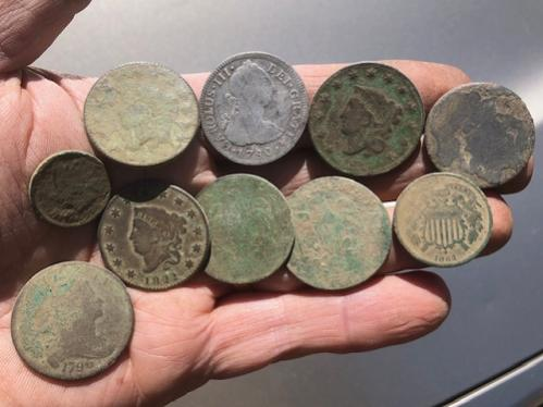 Name:  tavern1_coins.jpg Views: 101 Size:  27.6 KB