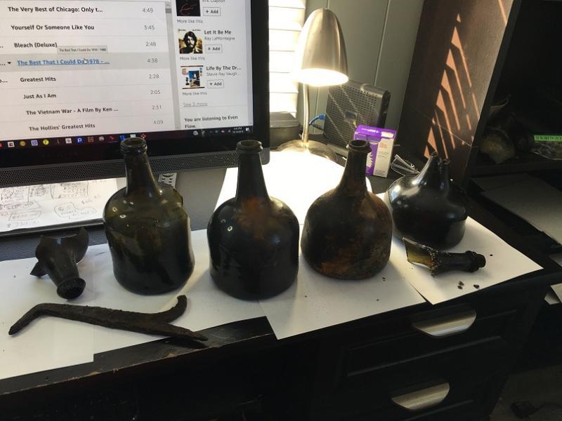 Name:  z bottle 1 (1).jpg Views: 54 Size:  55.1 KB