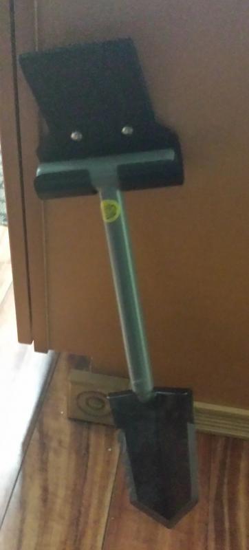 Name:  Sampson W ready shovel.jpg Views: 851 Size:  21.0 KB